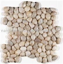 Interlocking White Mesh Pebble Tile