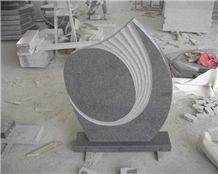 G654 Middle Flower Headstone