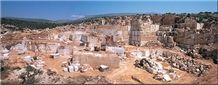 Karnezeika Quarry, Karnezeika Beige - Karnis Dg Marble Blocks