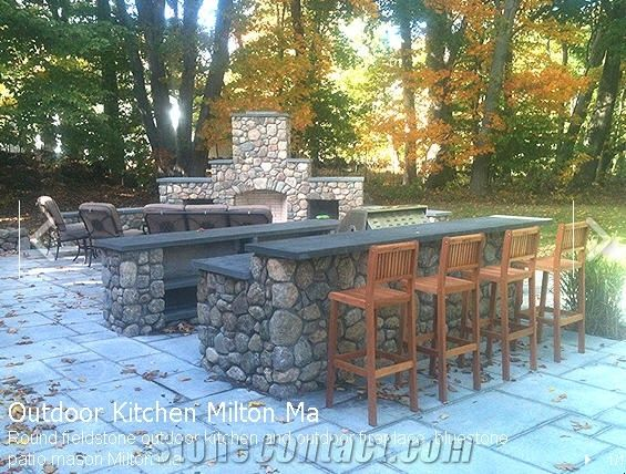 Round Fieldstone Outdoor Kitchen New York Grey Blue Stone