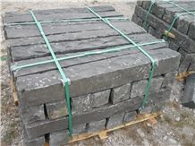 Vietnam Dark Grey Basalt Flamed Kerbstone, Curbstone