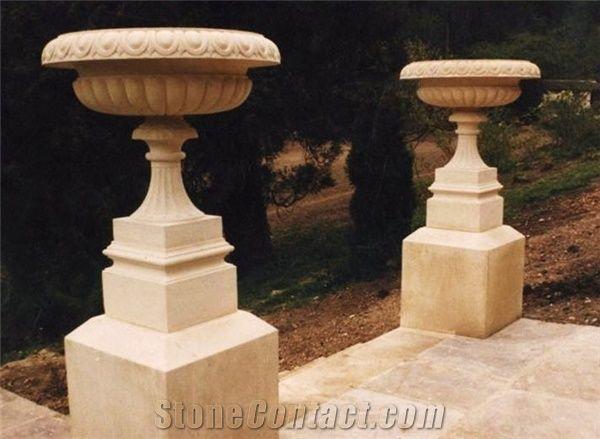 StoneContact.com & Cotswold Stone Decorative Garden Urns Cotswold Beige ...