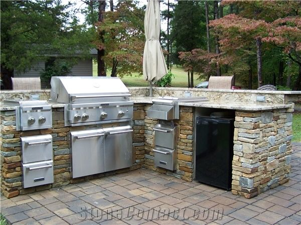 Field Stone Outdoor Kitchen Design from United States ...