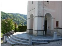 Solid Stone Stairs, Blue Limestone Stairs, Dolenjski Temni Blue Limestone Stairs