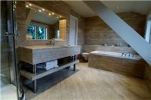 Serpeggiante Marble Bathroom Design