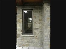 Frontier Sandstone Tumbled Rubble Wall