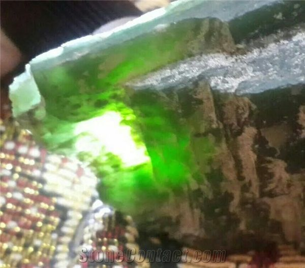Good Quality Rough Nephrite Jade Jade Stones From Pakistan