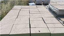 Beige Pirineo Sandstone Bush-Hammered Cobble Stone