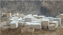 Akmonia White Marble Blocks