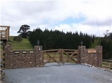 Crawford Hills Schist Gates, Gate Post Cladding