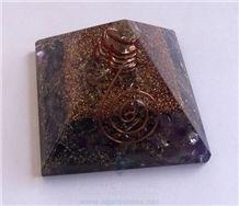 Amethyst Orgone Energy Pyramid with Crystal Point Orgonite Pyramid with Copper Ring Healing Crystals