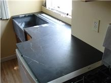 Soapstone Kitchen Top with Farm Sink