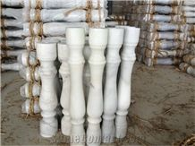 China Popular Cheap Guangxi White Marble with Yellow Lines/Veins Stair Handrail, Baluster, Balustrades, Raildings, Staircase, Natural Building Stone Decoration for Interior Project, Hotel, Villa