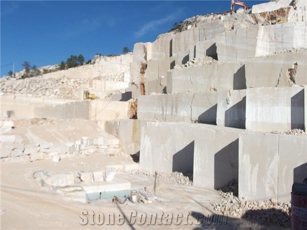 Crema Rosal T Limestone Quarry