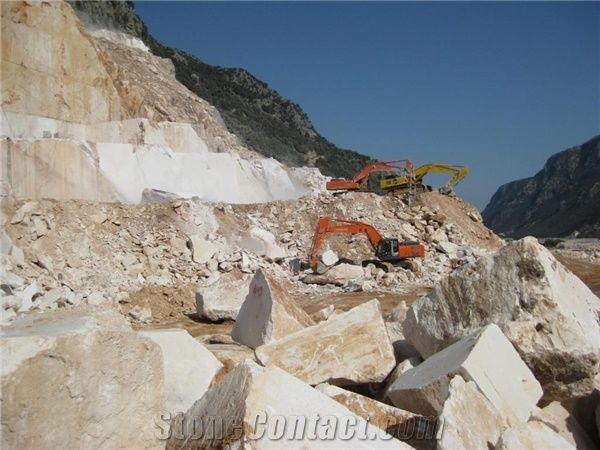 Champagne Limestone Quarry - StoneContact com