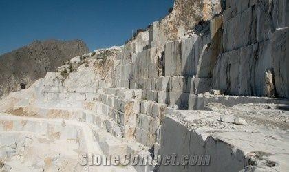 Bianco Carrara Marble Quarry-2511 - StoneContact com