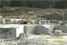 /picture/Quarry/201107/13494/american-black-granite-r-quarry-quarry1-99B.JPG
