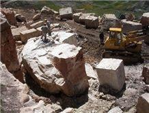 /quarries-26/requena-peruvian-crema-andino-travertine-quarry