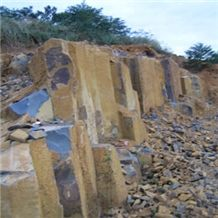 /picture/Quarry/201107/40356/vietnam-black-basalt-quarry-quarry1-104B.JPG