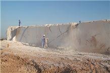 /picture/Quarry/201107/56143/desert-gold-oman-marble-quarry-quarry1-14B.JPG