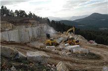 /picture/Quarry/201107/67406/burdur-medium-travertine-walnut-travertine-cordoba-cream-quarry-quarry1-89B.JPG