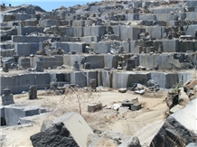 /picture/Quarry/201108/67870/zimbabwe-black-granite-zimbabwe-absolute-black-granite-quarry-quarry1-141B.JPG