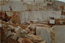 /picture/Quarry/201110/68132/belge-antalya-beige-marble-quarry-quarry1-327B.JPG