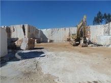 /picture/Quarry/201110/69901/moca-creme-medio-limestone-quarry-quarry1-334B.JPG