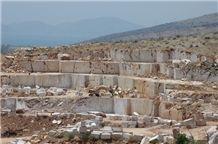 /picture/Quarry/201111/33701/almond-beige-carnis-breccia-marble-quarry-quarry1-373B.JPG