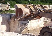 /quarries-446/coraldom-classic-coral-stone-quarry