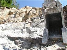 /picture/Quarry/201204/79621/pietra-piasentina-limestone-quarry-quarry1-652B.JPG