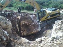 /picture/Quarry/201205/81872/usak-white-onyx-quarry-quarry1-700B.JPG