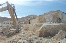 /picture/Quarry/201206/68869/golden-honey-marble-golden-cream-marble-quarry-quarry1-797B.JPG