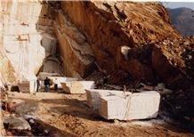 /quarries-823/castione-scuro-marble-castione-grigio-marble-quarry