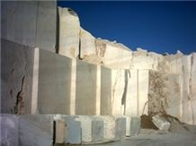 /picture/Quarry/201207/85503/marmaran-marble-iran-royal-cream-marble-quarry-quarry1-840B.JPG