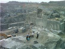 /picture/Quarry/201210/75158/jet-black-granite-quarry1-1056B.JPG