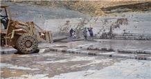/quarries-1135/wine-slate-purple-slate-quarry