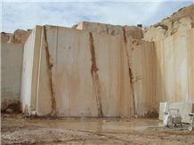 /picture/Quarry/201212/91937/dionysos-vratza-limestone-vratza-beige-quarry-quarry1-1204B.JPG