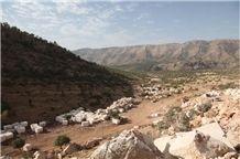 /picture/Quarry/201301/93177/silkway-beige-marble-pervari-quarry-quarry1-1343B.JPG