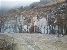 /picture/Quarry/201302/93700/silver-wave-marble-kenya-black-marble-quarry-quarry1-1392B.JPG