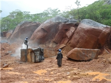 /picture/Quarry/201303/11372/nero-assoluto-zimbabwe-nyamakope-quarry-nero-assoluto-granite-quarry1-1505B.JPG