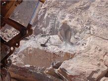 /quarries-1600/port-laurent-quarry
