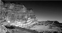 /picture/Quarry/201304/96684/pietra-serena-di-firenzuola-sandstone-quarry-quarry1-1597B.JPG