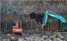 /picture/Quarry/201305/97094/shanxi-black-granite-quarry-quarry1-1632B.JPG
