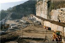 /picture/Quarry/201307/98910/pietra-di-luserna-quarry-quarry1-1743B.JPG