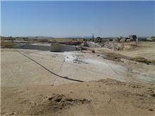 /picture/Quarry/201308/93209/amarillo-campanario-granite-quarry-quarry1-1840B.JPG