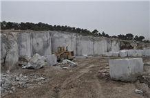/picture/Quarry/201310/102424/dark-grey-emperador-marble-quarry-quarry1-1975B.JPG
