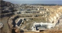 /picture/Quarry/201310/3319/amasya-regal-beige-marble-quarry-quarry1-1960B.JPG