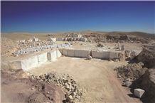 /picture/Quarry/201311/1322/maya-grey-marble-affumicato-marble-quarry-quarry1-1464B.JPG
