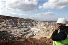 /picture/Quarry/201311/36898/amasya-classic-beige-marble-quarry-quarry1-2026B.JPG